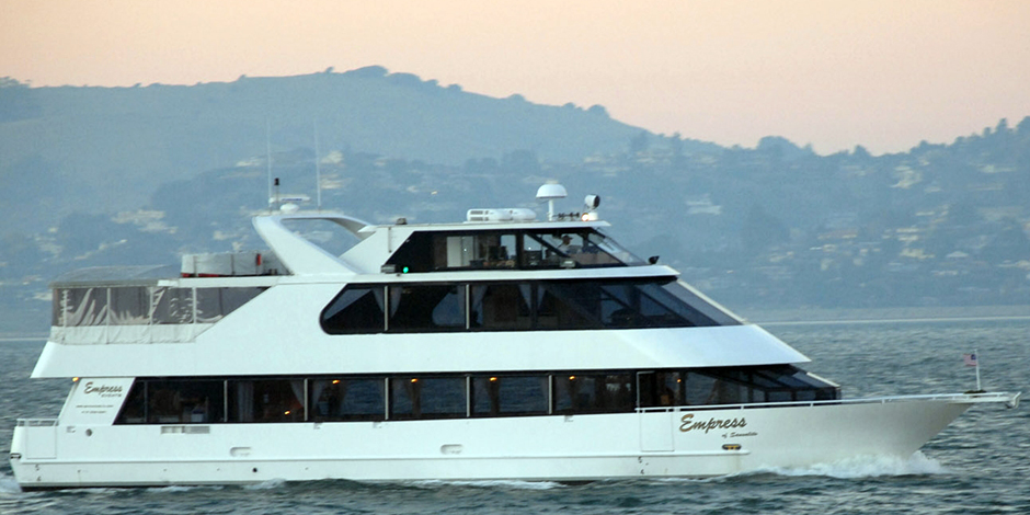 large-capacity-yachts-charter